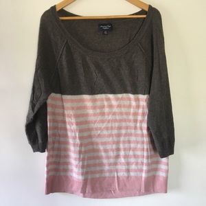 AMERICAN EAGLE lightweight gray pink sweater XL